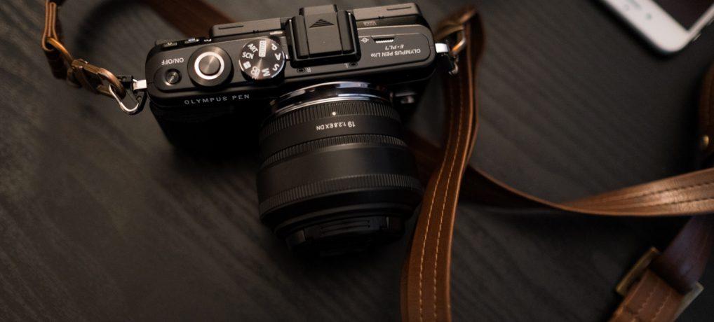 海外旅行者や初心者におすすめのカメラOlympus PEN Lite E-PL7