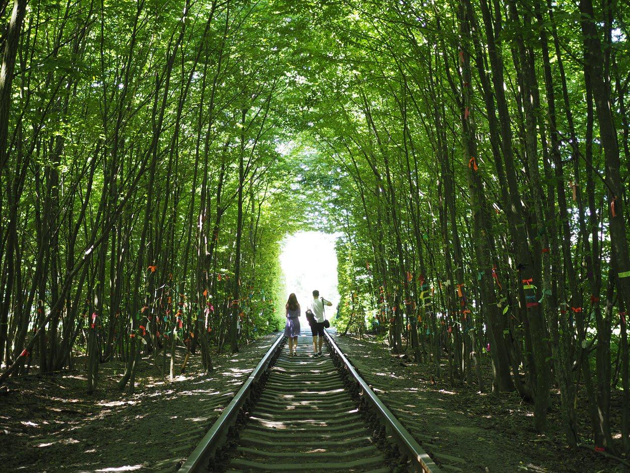 ウクライナ、愛のトンネル