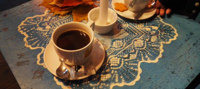 Krakow best cafes for introverts and bookworms